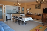 Verzorgd en comfortabel ingericht appartement met prachtig zicht. Woonkamer met 2 divanbedden voor 2 personen, ingerichte keukenhoek met microgolf, badkamer met douche en toilet, 1 slaapkamer met 2 dubbelbedden, kleurentelevisie, lift en centrale verwarming.   (ref.: LESCALE/0403 (A/4))