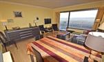 Verzorgd, mooi vernieuwd en goed onderhouden appartement, ruim en gezellig ingericht. Woonkamer met 1 divanbed voor 2 pers., aparte keuken met microgolf en vaatwas, hall, badkamer met douche en toilet,1 slaapkamer met 1 dubbelbed, 1 slaapkamer met 1 stapelbed, kleurentelevisie, wasmachine, dvd speler, terras met zeezicht, centrale verwarming en lift.  (ref.: SEA EAGL/0101)