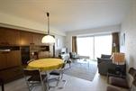 Sehr gepflegtes  Appartement, modern eingerichtet. Wohnzimmer mit 1 Bettcouch für 2 Personen, separate Küche, separate Toilette, Bad mit Badewanne und Toilette, 1 Schlafzimmer mit 1 Doppelbett, 1 Schlafzimmer mit 2 Einzelbetten, Farb-TV, dvd Spieler, lift und Zentralheizung. 3e Stock (ref.: ATALANTA/0301 (C3))
